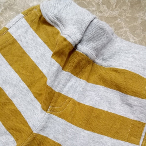 Đường may của quần shorttỉ mỉ tới từng chi tiết