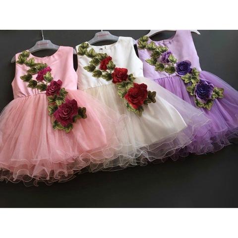 Váy voan có 3 màu, mỗi màu xinh một kiểu