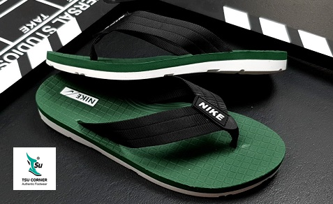 NIKE SLIPPERS BLACK GREEN