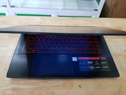 Laptop Gaming MSI GF63 Intel Core i7 8750H 8GB 1TB Geforce GTX1050 4GB 15.6' IPS Backlight Keyboard Win 10