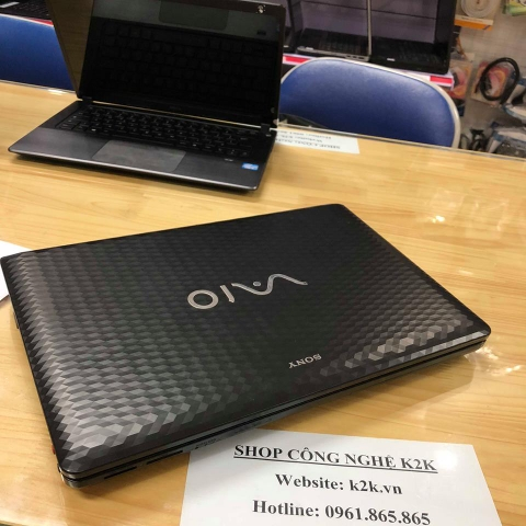 Sony Vaio VPC-EH (Intel Core i5-2450M 2.5GHz, 4GB RAM, 750GB HDD, VGA intel HD Graphics 3000, 15.5 inch HD)