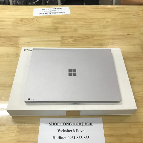 Microsoft Surface Book 1 (Intel Core i7, 8GB RAM, 256GB SSD, VGA NVIDIA GeForce, 13.5 inch Touch Screen, Windows 10 Pro)