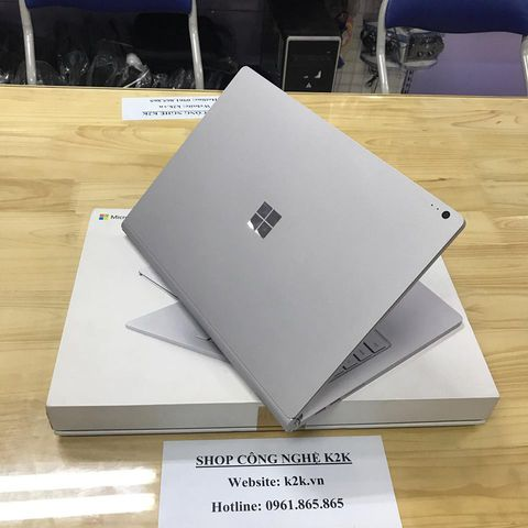Microsoft Surface Book 1 (Intel Core i5, 8GB RAM, 128GB SSD, 13.5 inch Touch Screen, Windows 10 Pro)