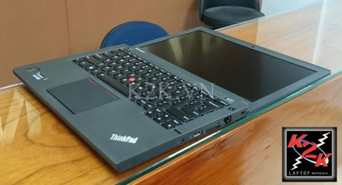 Lenovo Thinkpad X250  (Intel Core i5-5200U 2.2GHz, 4GB RAM, 256GB SSDD, VGA Intel HD Graphics, 12.5 inch, PC DOS)