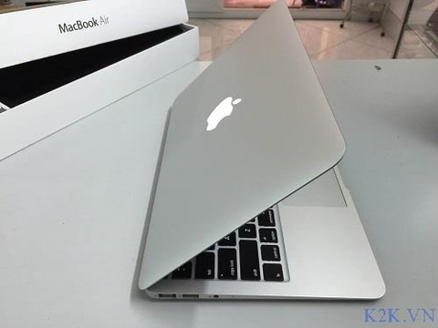 Apple MacBook Air MD712 (Mid 2014) (Intel Core i5-4250U 1.4GHz, 4GB RAM, 256GB SSD, VGA Intel HD Graphics 5000, 11.6 inch, Mac OS X Lion)