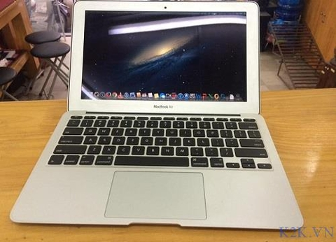 Apple MacBook Air MC506 (Mid 2010) (Intel Core 2 Duo 1.40GHz, 2GB RAM, 128GB SSD, VGA NVIDIA GeForce GT 320M, 11.6 inch, Mac OSX 10.6 Leopad)