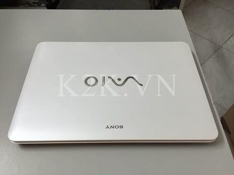 Sony Vaio Fit 15E SVF-15328SG (Intel Core i5-4200U 1.6GHz, 4GB RAM, 500GB HDD, VGA NVIDIA GeForce GT 740M / Intel HD Graphics 4400, 15.5 inch, Windows 8.1 64 bit)