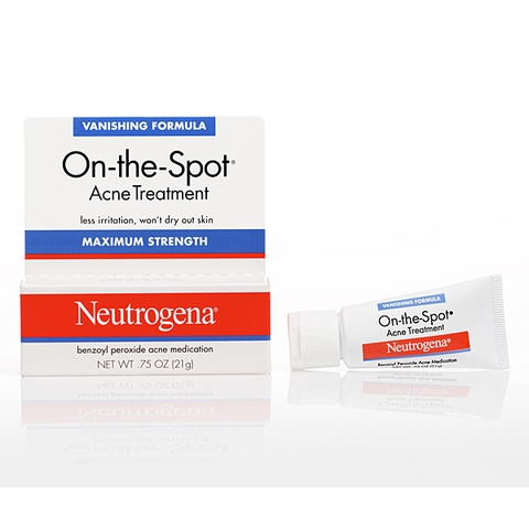 Kem trị mụn Neutrogena On the Spot