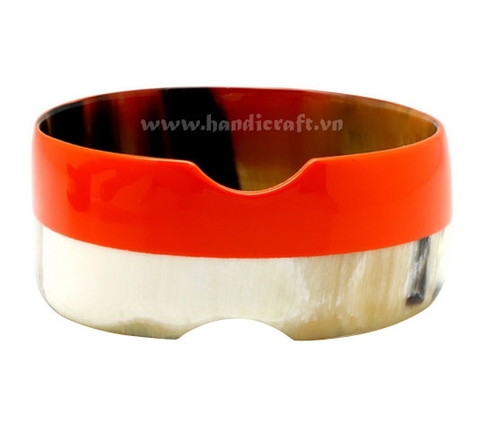 Buffalo horn bangle bracelet with half lacquer