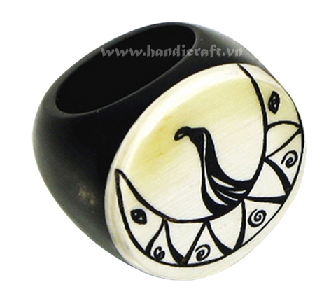 Horn engrave ring