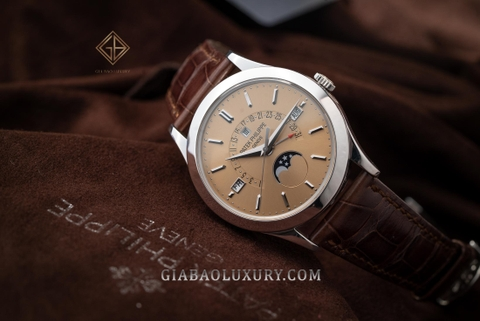 Review đồng hồ Patek Philippe Grand Complications 5496P mặt số honey brown