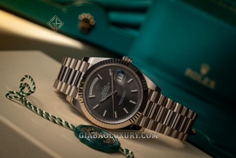 Review đồng hồ Rolex Day-Date 40 228239