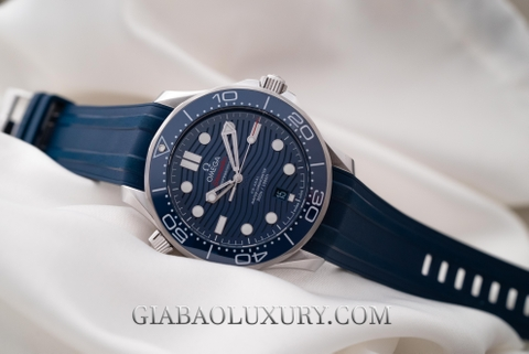 Review đồng hồ Omega Seamaster Diver 300M Co-Axial Master Chronometer 42mm