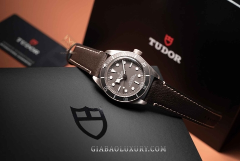 Review đồng hồ Tudor Black Bay Fifty-Eight 925 ref. 79010 - Model mới nhất 2021