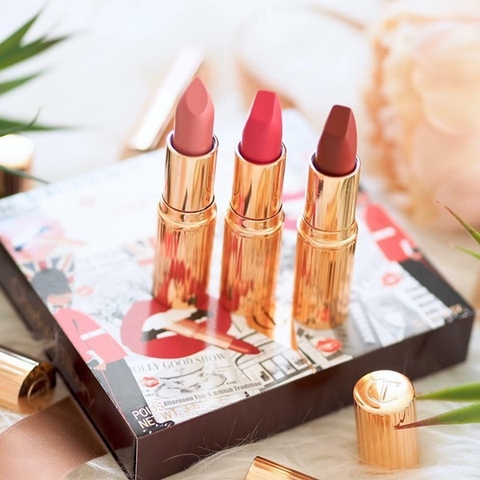 SET SON CHARLOTTE TILBURY YOUR LIP SERVICE