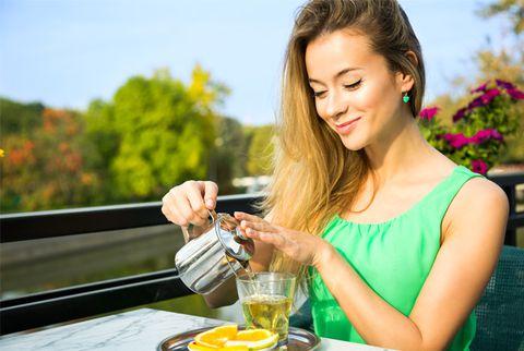 Hướng dẫn cách làm đẹp bằng nước uống chè thái nguyên tân cương
