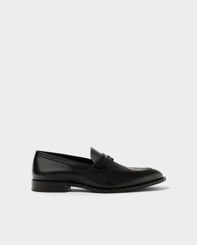 ZARA STUDDED BLACK LEATHER LOAFERS