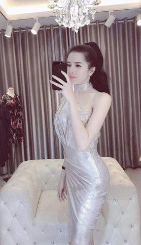 Đầm ôm body kiểu lệch vai chéo tà