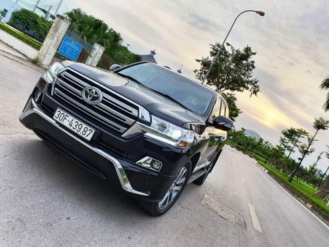 Toyota Land Cruiser VX 2013 lên form 2018