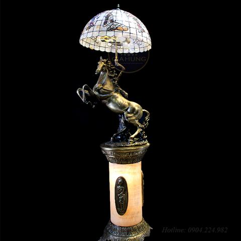 Đèn bàn đồng 1519 + kệ đồng đá 1270