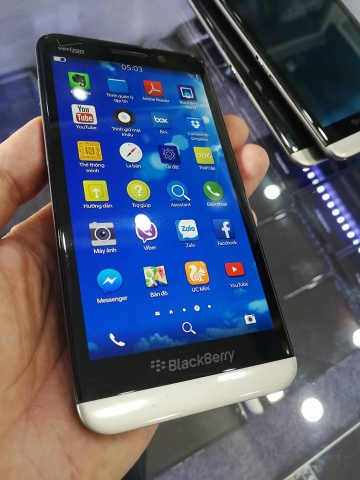 BlackBerry Z30 likenew