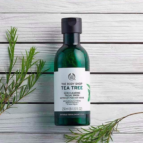 Sữa Rửa Mặt The Body Shop Tea Tree Skin Clearing Facial Wash 250m