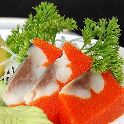 cá trích ép trứng màu đỏ