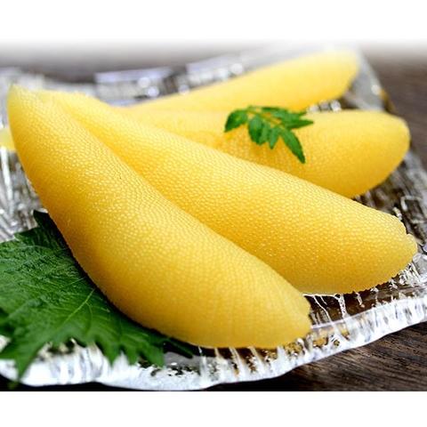 Trứng cá trích màu vàng