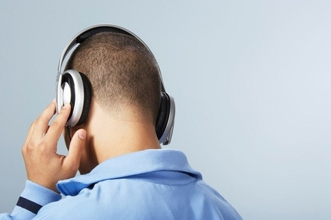 3 Ways to Prevent Hearing Loss From Headphone Use