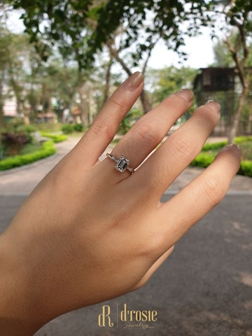 Nhẫn cầu hôn Diamond Emerald Ring - Become the One