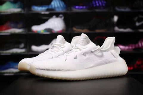 Giày Yeezy V2 Cream White