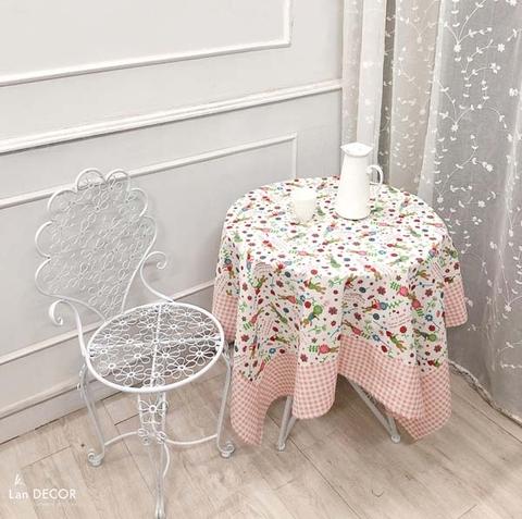 Khăn trải bàn tròn họa tiết hoa và thỏ mix kẻ caro hồng nhạt - TB460