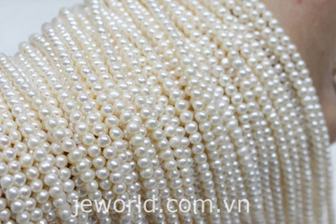 How To Clean Pearls - Safe Ways to Clean Pearl Jewelry
