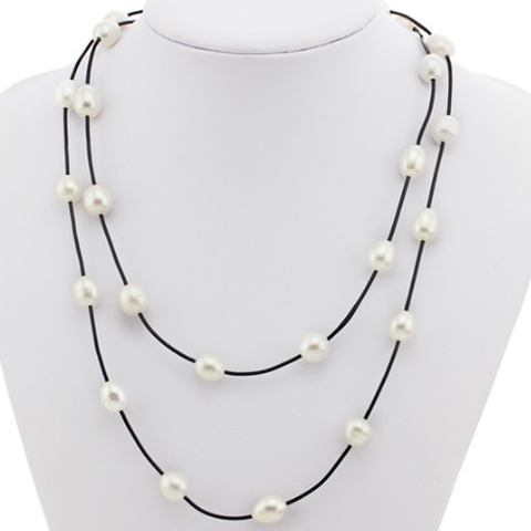 Fresh water pearl with leather necklace