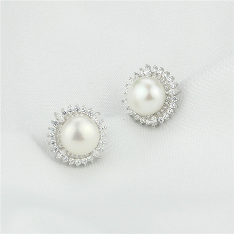 Nice button pearl Earrings