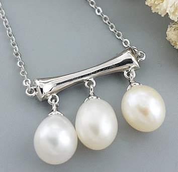Triple  drop Pearl  Necklace in Hanoi