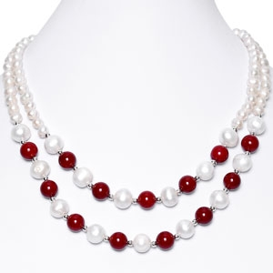 Coral & Pearl Necklace in Hanoi