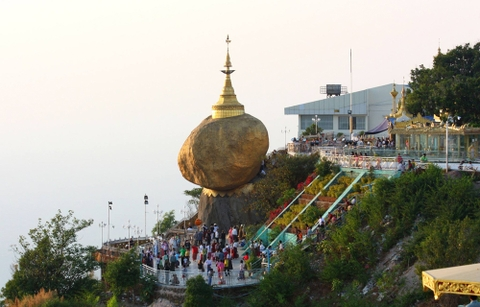 TOUR MYANMAR: YANGON - BAGO - GOLDEN ROCK