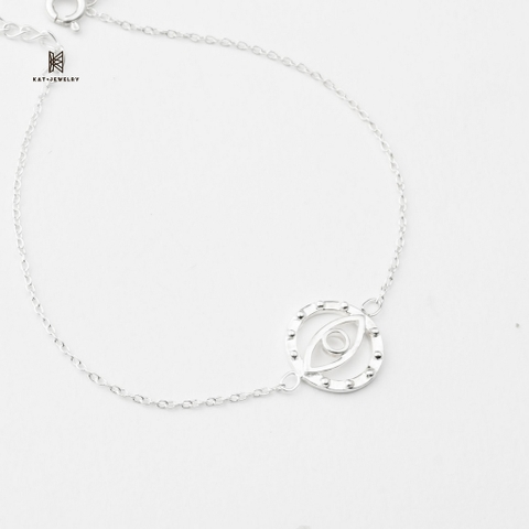 BRA EYE CHAIN 01