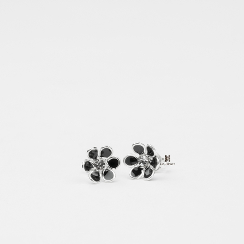 E STUD FLOWER BLACK 6 03