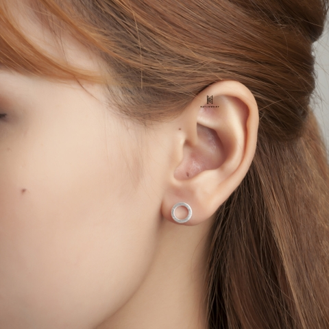 E STUD CIRCLE SLEEK 01