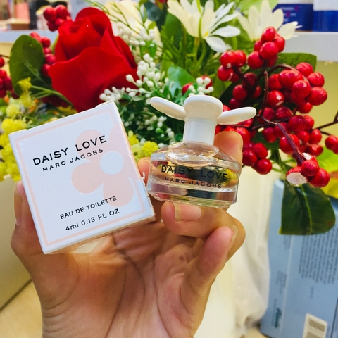 NƯỚC HOA MINI DAISY LOVE MARC JACOBS EDT - 4ML