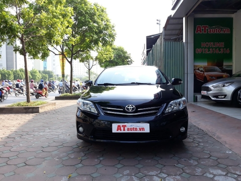 Toyota Altis 1.8AT 2010 phom 2011