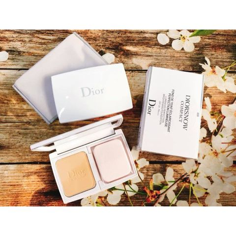 Phấn phủ Diorsnow Compact Luminous Perfection Brightening Foundation SPF 20 PA +++