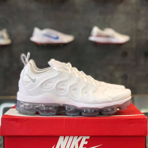 NIKE AIR VAPORMAX PLUS 'WHITE PLATINUM'