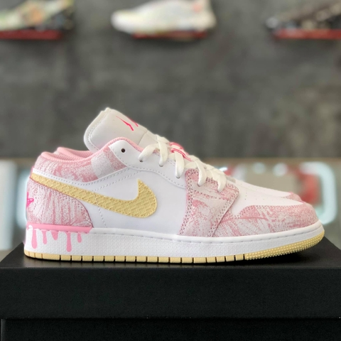 NIKE AIR JORDAN 1 LOW 'STRAWBERRY ICE CREAM'