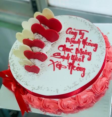 X18 - Bánh kem sinh nhật sếp đẹp
