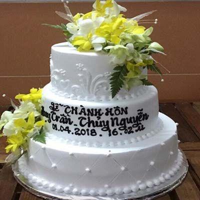 bc4 bánh cưới 3 tầng liền
