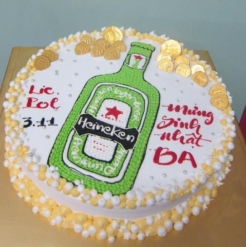 X12 - Bánh sinh nhật hình chai bia lạ mắt