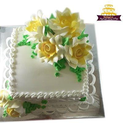 S33 - Bánh vuông màu vàng hoa kem